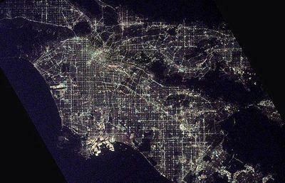 宇宙ステーションから見た世界の大都市の夜景18