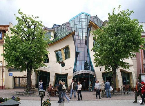 ポーランドの変わった建物02