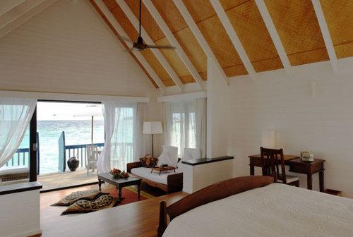 モルディブの小舟のようなホテル14