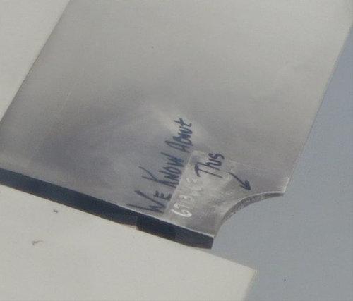 飛行機の翼に損傷02