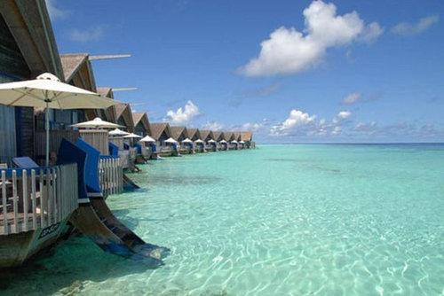 モルディブの小舟のようなホテル08
