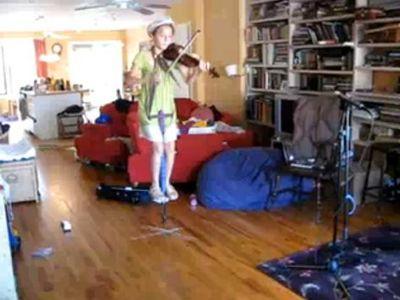 ジャンプしてバイオリン