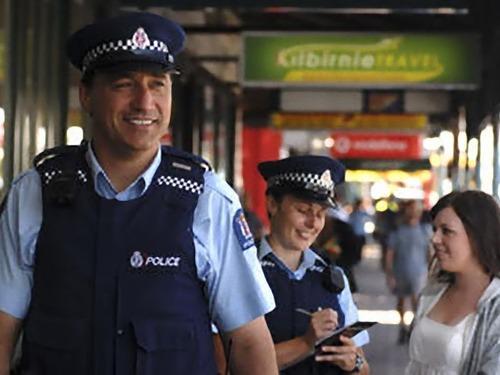 ニュージーランド警察にモルモットポリス00