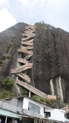 巨岩「ラ・ピエドラ・デル・ペニョール」05