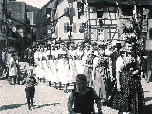 ナチス市民の女性00