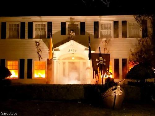 ハロウィンで火災の演出がリアルすぎて通報される00