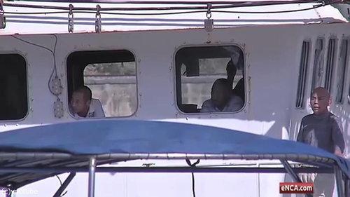 中国漁船の違法操業03