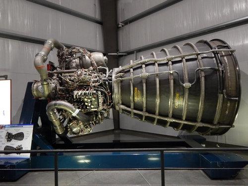 スペースシャトルのエンジン01
