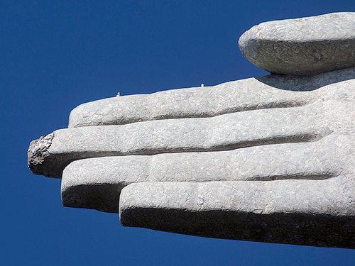 リオデジャネイロのキリスト像に落雷04