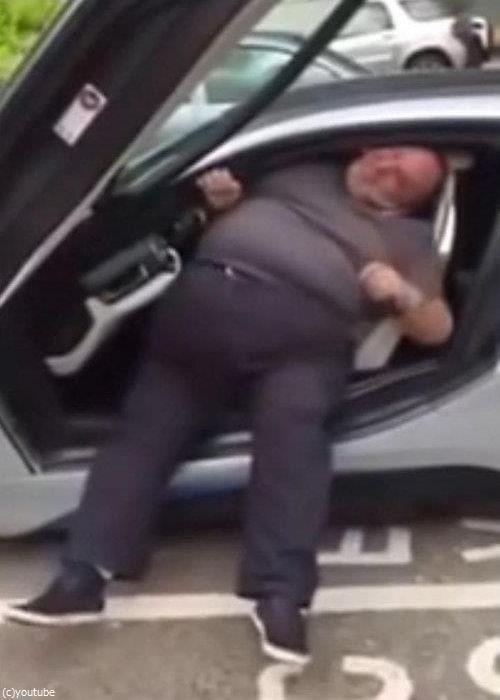 太った人は乗らないほうがいい車08