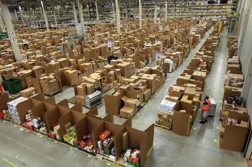 Amazonの倉庫05