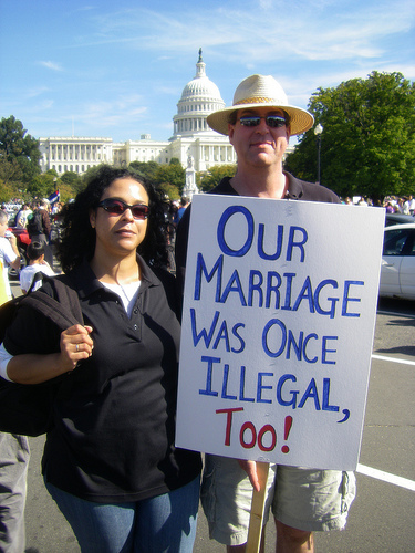 違法だった結婚01