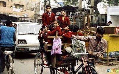 インドのスクールバス05