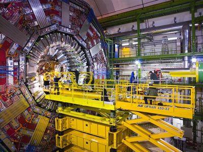 大型ハドロン衝突型加速器(LHC)02
