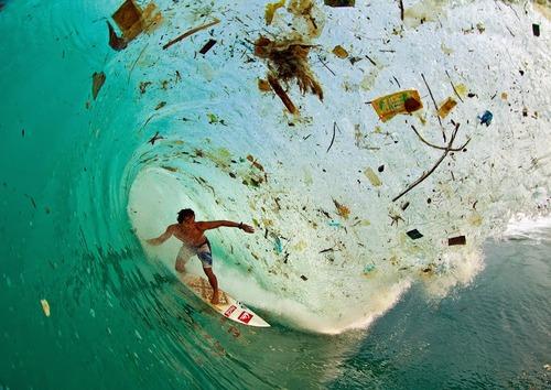 本当のサーフィンの写真01