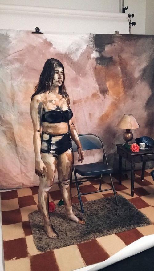 フランス女性のアート01