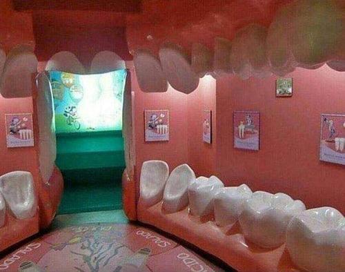 歯医者さんの待合室01