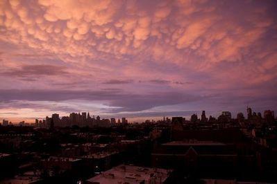 ニューヨークの空を埋め尽くした乳房雲09