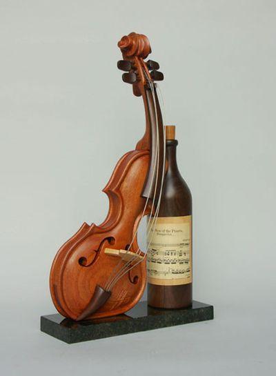 変わった形のバイオリン17
