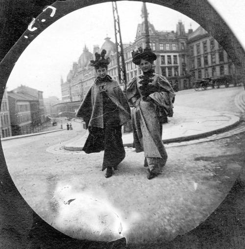 19世紀の隠しカメラ写真03