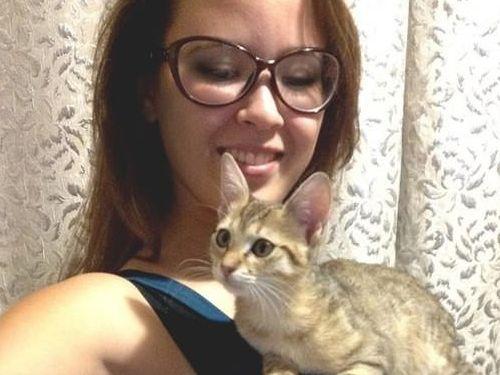 猫とお姉さん00