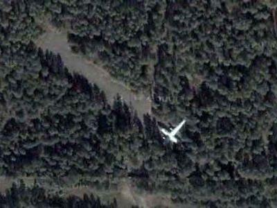 森に捨てられたロシアの輸送機01
