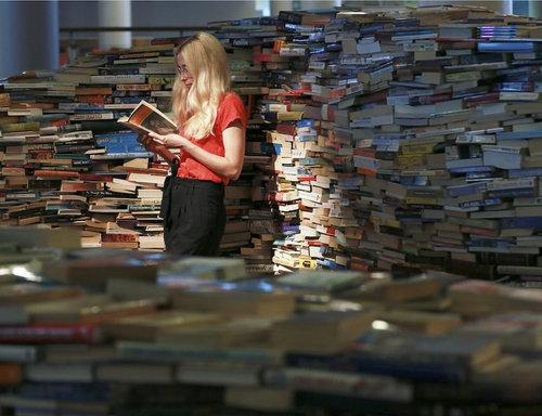 25万冊の本で迷路05