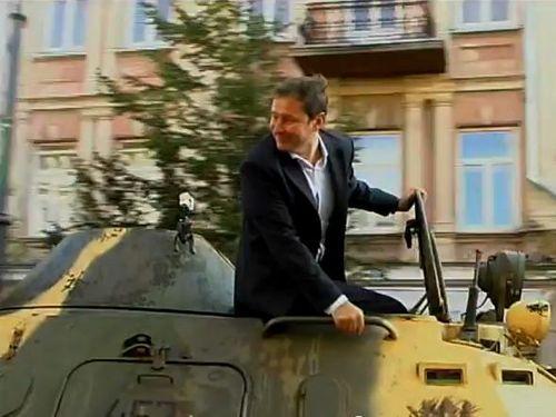 装甲車で違法駐車を潰す03