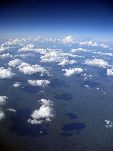 10地平線まで続くちぢれ雲