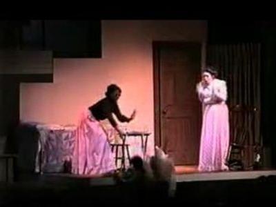 ヘレン・ケラーの舞台で転落