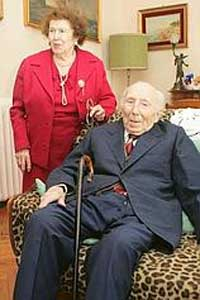 結婚するまで50年かかったカップル