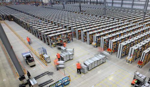 Amazonの倉庫03