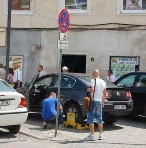 一方ルーマニアでは01