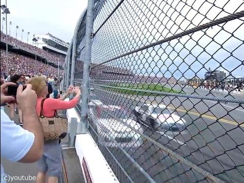 テレビではわからないカーレースの迫力01