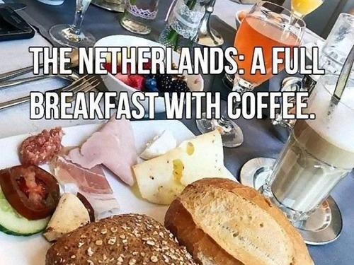 オランダ:コーヒー付き朝食