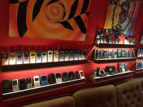 スロバキアの携帯電話コレクター02