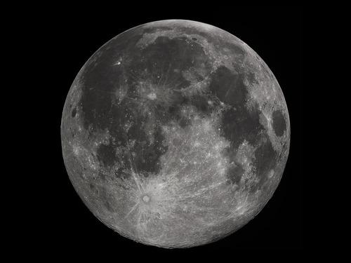 月は縮んでいた00
