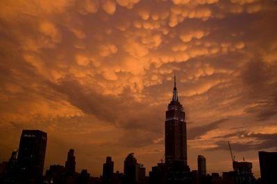 ニューヨークの空を埋め尽くした乳房雲08