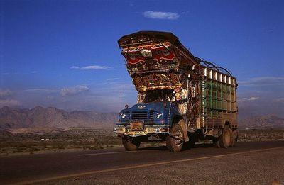 パキスタンのデコトラ14