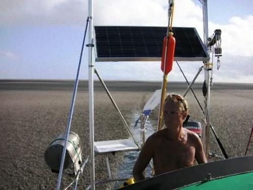 海のど真ん中に砂漠06
