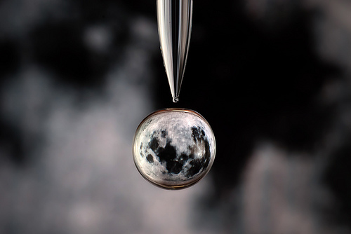 水滴の中に地球04