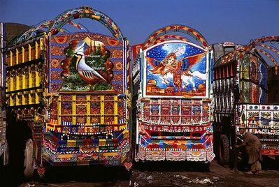 パキスタンのデコトラ04