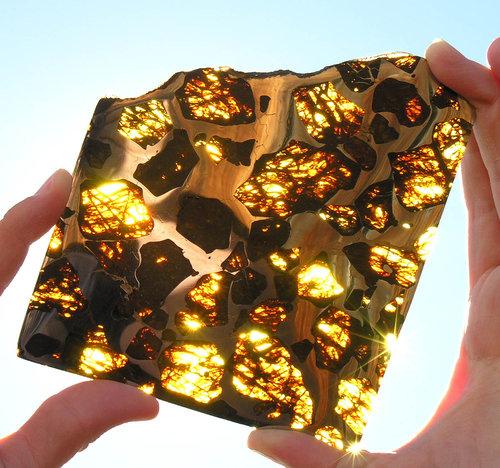 ぴかぴかに磨いた隕石04