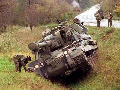 事故を起こした戦車04