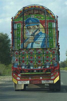 パキスタンのデコトラ18