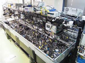 量子コンピュータ スーパーコンピュータの9000兆倍の性能