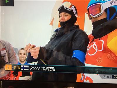 平昌五輪 フィンランドのスノーボード選手とコーチが緊張のあまり編み物