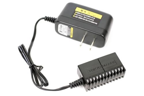 専用の充電器