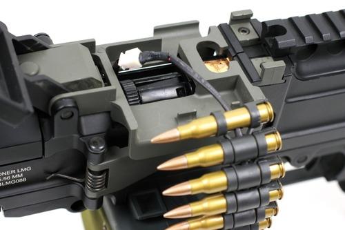 電動給弾マガジンへ電力を供給するライン