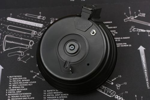 材料のAK2500連ドラムマガジン